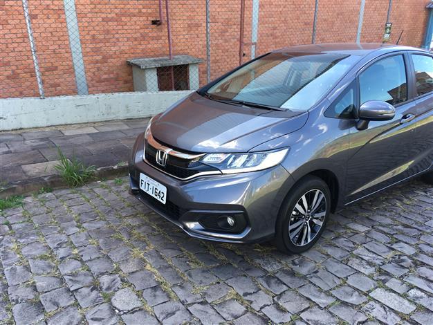 Fotos: Divulgação - A linha 2018 do Honda FIT mantém as boas características, recebe mudanças na carroceria e novas tecnologias