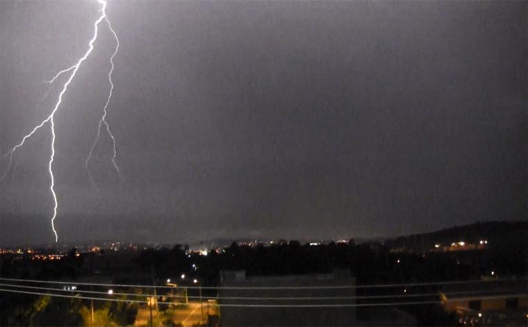 Regiões Central e Metropolitana de Belo Horizonte têm alerta de temporais