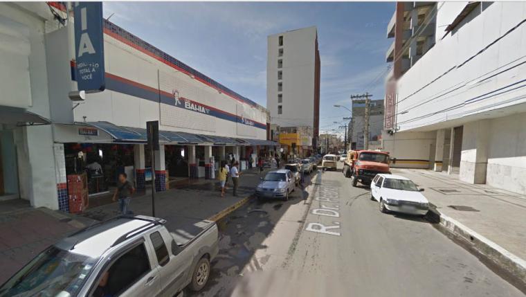 Bandidos invadem Casas Bahia e levam mais de R  100 mil de guichê bancário 0b13f78dc1d61