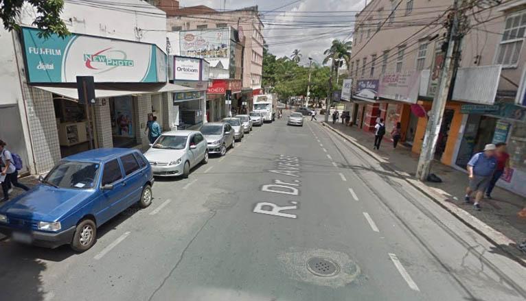 PM prende quadrilha flagrada pelo Olho Vivo assaltando drogaria