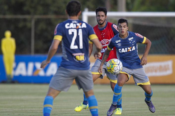 Cruzeiro joga neste sábado tentando se livrar do Z4