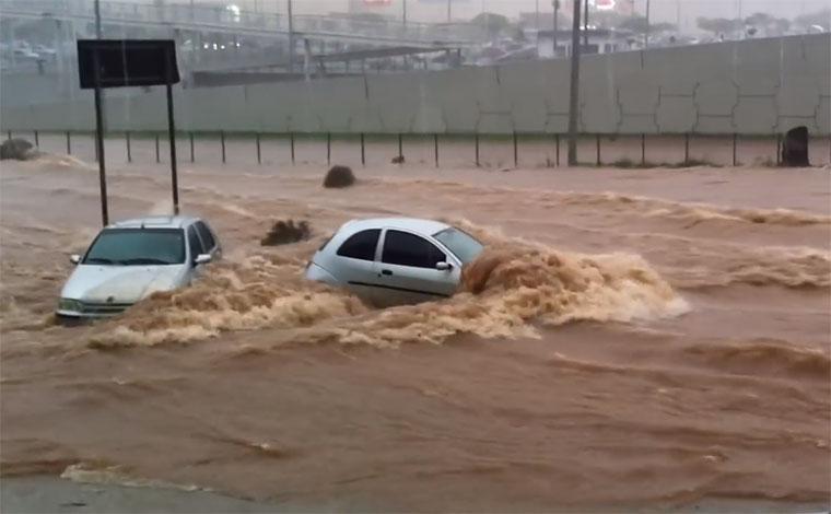 Prefeitura de BH decreta situação de emergência por estragos com as chuvas