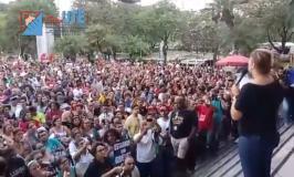 Professores da rede estadual mantêm greve após realização de assembleia