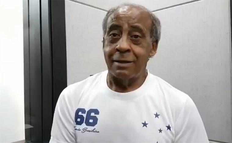 Filho ilustre de Pedro Leopoldo, Dirceu Lopes lança camisa retrô da Raposa