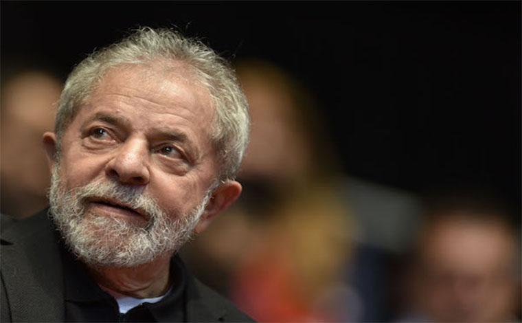 Juiz Sérgio Moro determina prisão de ex-presidente Lula