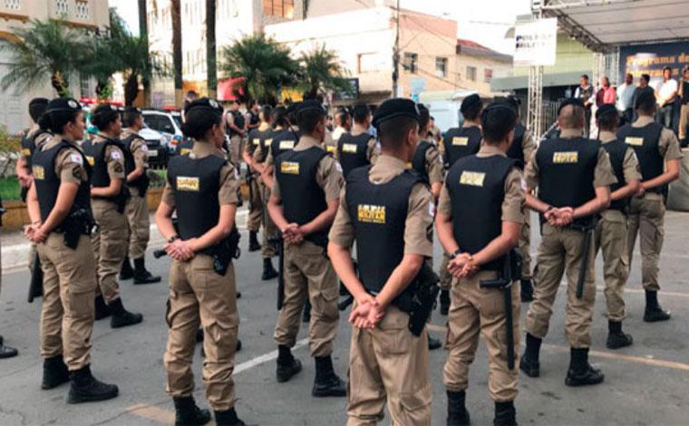 Foto: Ronaldo Araújo - Comando da corporação apresentou 40 novos policiais que integrarão a 11ª Companhia Independente, com 26 militares ficando em uma cidade e 14 na outra