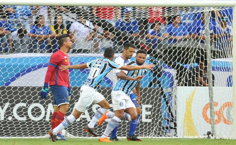 Irreconhecível, Cruzeiro estreia no Brasileirão com derrota em casa