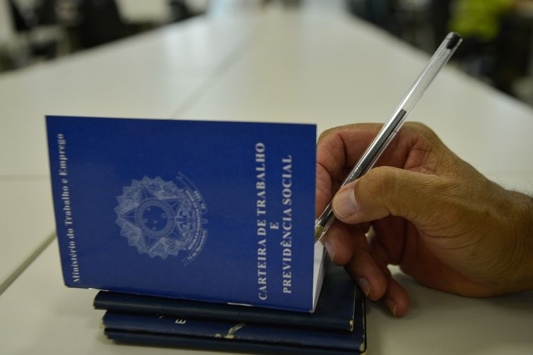 Com prazo de MP vencido, Casa Civil estuda decreto para alterar reforma trabalhista