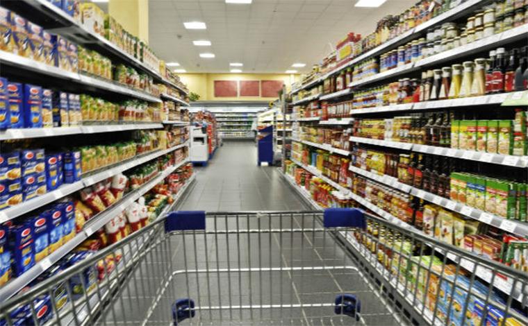 Confiança da população em baixa dificulta reativação do consumo