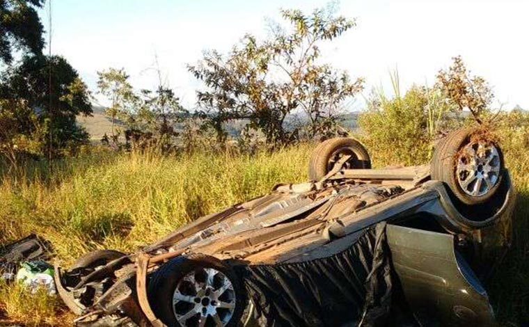 Foto: Divulgação/ Corpo de Bombeiros - Um dos acidentes mais graves aconteceu na BR 040, provocando a morte de três pessoas e deixando outras três feridas
