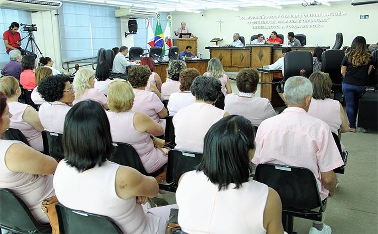 Em sessão prestigiada, PLO que beneficia Farmácia do Bem é aprovado