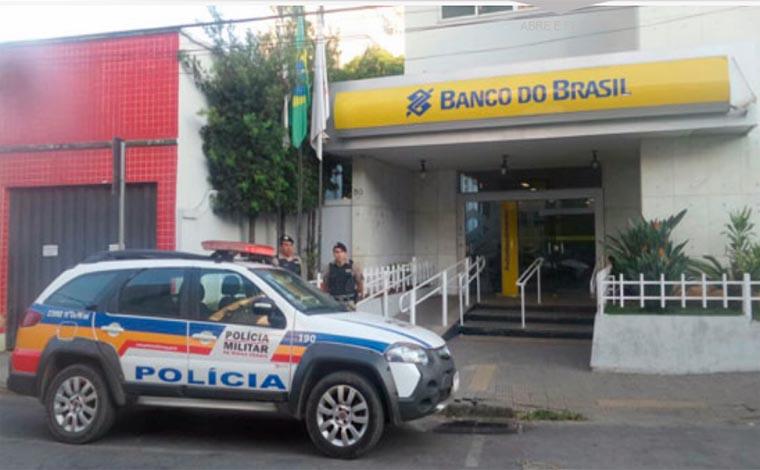 Bandidos arrombam agência bancária no Centro de Pedro Leopoldo
