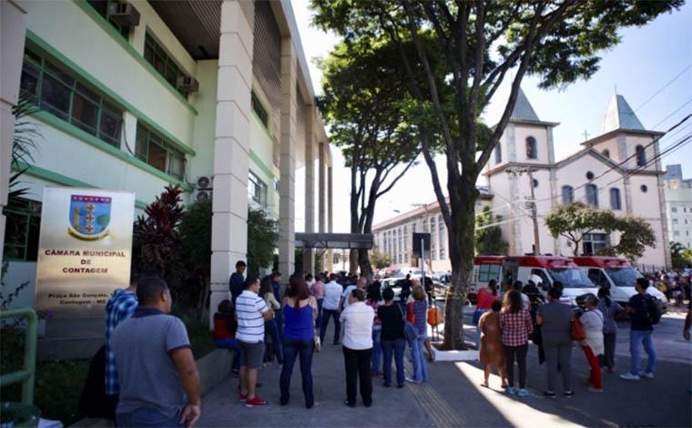 Mulher é assassinada por policial civil dentro da Câmara de Contagem