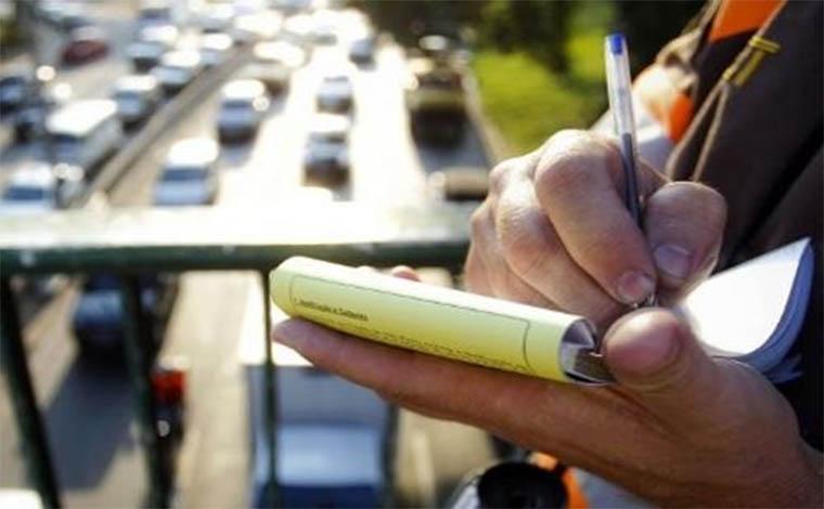 Denatran suspende pagamento de multas com cartões