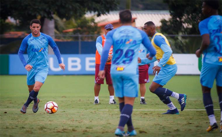 Raposa terá Thiago Neves e Edílson à disposição para duelo contra o Racing