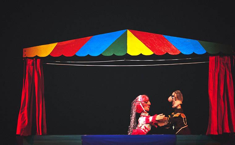 Teatro de bonecos tratará de violência contra a mulher na Praça da Feirinha