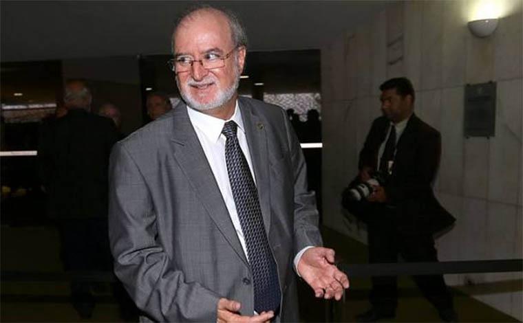 Eduardo Azeredo não se entrega e é considerado foragido pela Polícia Civil
