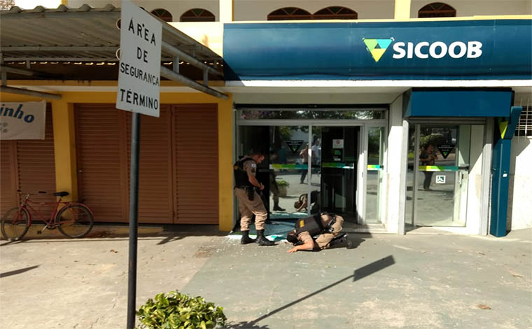 Dois assaltantes do Sicoob são mortos em perseguição em Fortuna de Minas