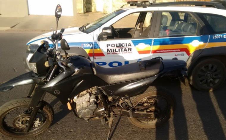 Giro Policial - PM recupera moto roubada e detém envolvidos com o trafico em Sete Lagoas