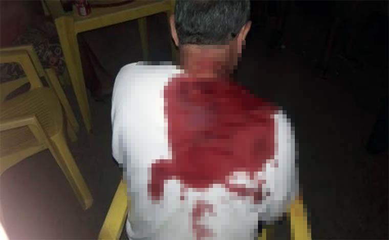 Bandidos assaltam coletivo em Sete Lagoas e esfaqueiam idoso na fuga