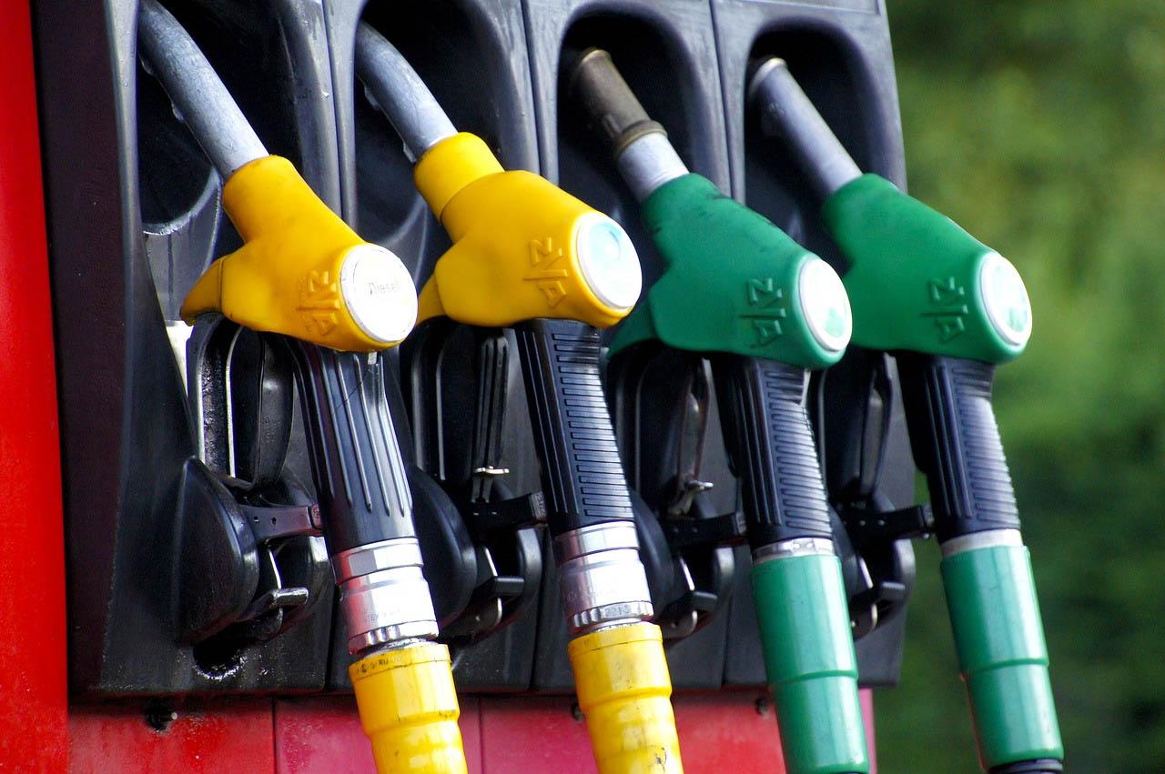 Governo deve criar seguro para controlar preços de combustíveis