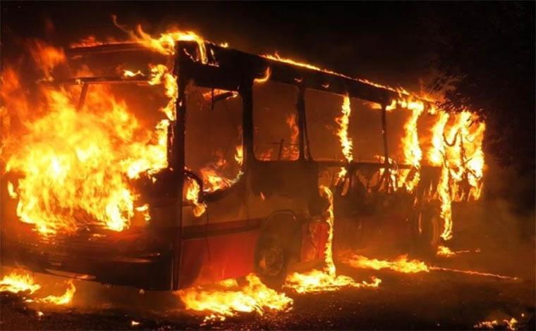 Ataques com incêndios já destruíram mais de 40 ônibus no estado