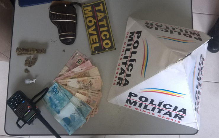 Traficantes são presos no Alvorada após denúncia anônima
