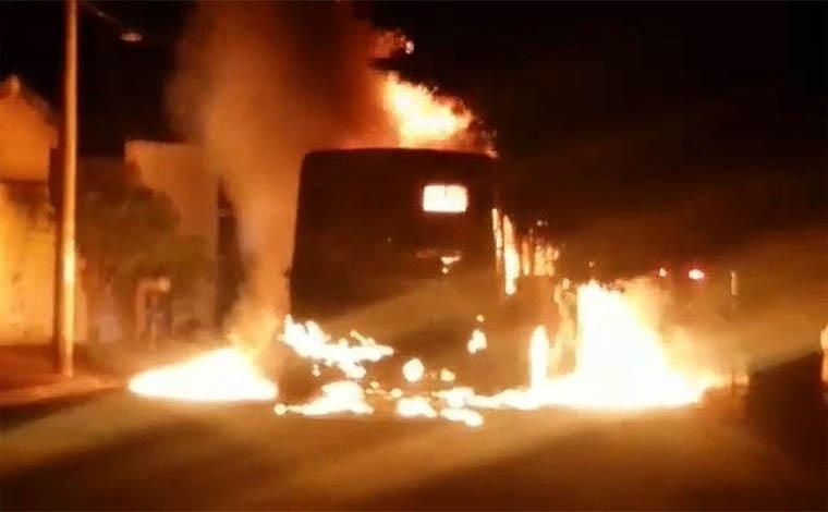 PM apreende quatro suspeitos de planejar incêndios de coletivos em Minas