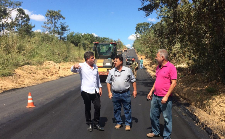 Pavimentação de trecho da estrada que liga Sete Lagoas à Silva Xavier é concluída