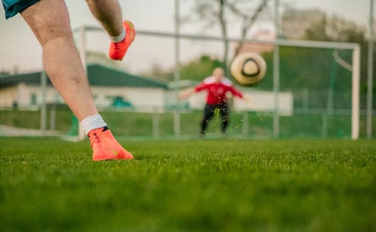 Governo prepara plano de retomada da atividade econômica no país, e cita futebol como exemplo