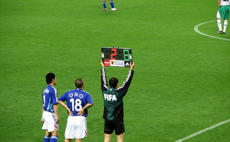 Fifa pretende ampliar número de substituições durante partidas de futebol