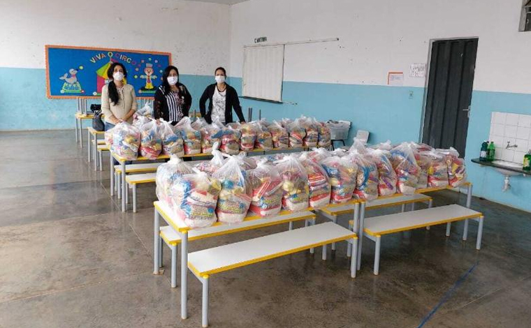 15 mil cestas básicas são entregues para famílias de alunos da rede municipal de ensino