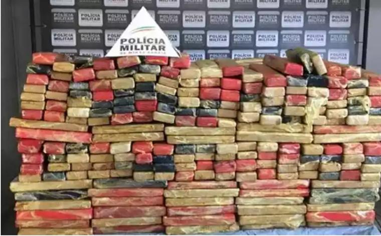 Polícia Militar prende três pessoas e apreende mais de 700kg de maconha