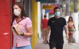Senado aprova projeto de lei que obriga uso de máscara em todo o Brasil