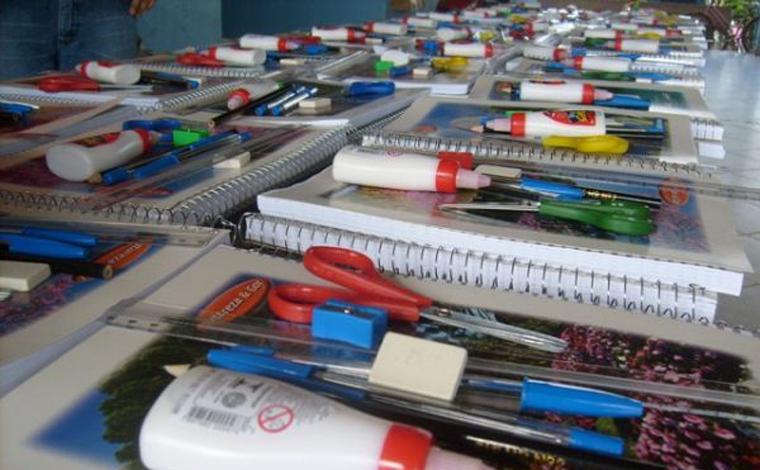 kits escolares são distribuídos em Sete Lagoas para apoiar alunos em aulas remotas