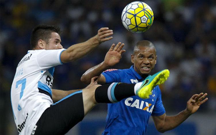 Cruzeiro e Grêmio duelarão para mais de 50 mil no Mineirão