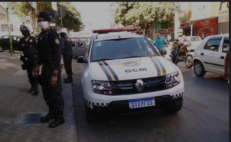 Diversos produtos irregulares são apreendidos durante fiscalização de ambulantes em Sete Lagoas