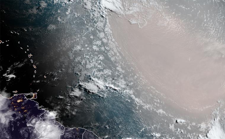 Após gafanhotos, nuvem de poeira 'Godzilla' viaja do Saara a caminho das Américas