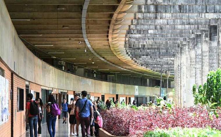 Estudantes de Universidade são expulsos por fraudes em cotas raciais