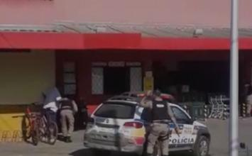 Dois homens são presos após tentarem assaltar supermercado em Caetanópolis; veja vídeo