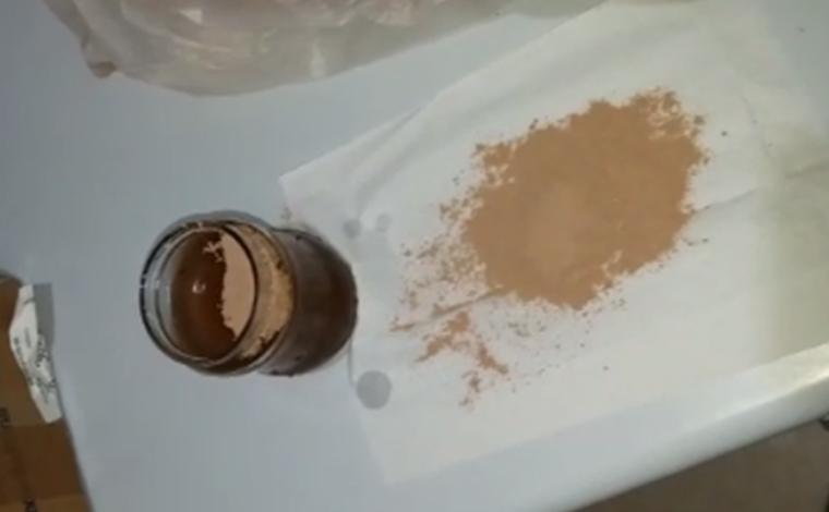 Maconha 'invisível' é achada em achocolatado entregue em presídio de cidade mineira