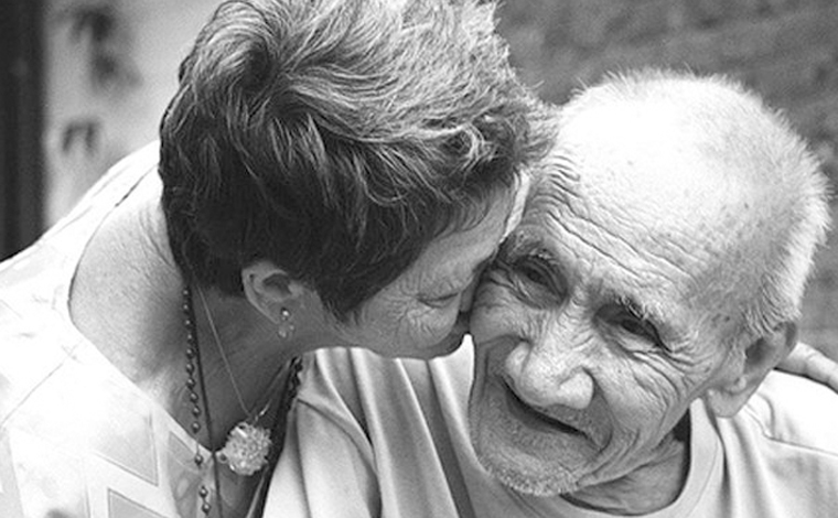 Exame de sangue pode detectar Alzheimer até 20 anos antes de sintomas
