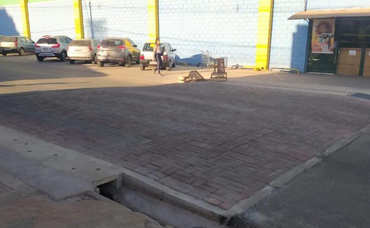 Seltrans instala faixa elevada de pedestre na Avenida Raquel Teixeira Viana em Sete Lagoas