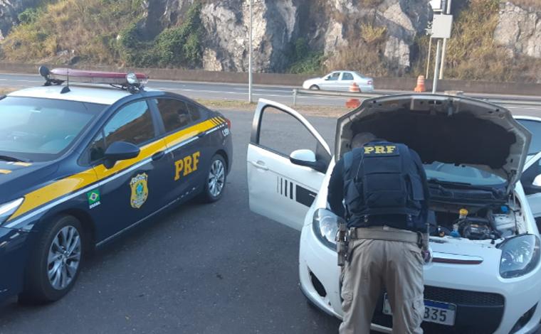 Polícia Rodoviária Federal de Sete Lagoas apreende veículo com placa clonada
