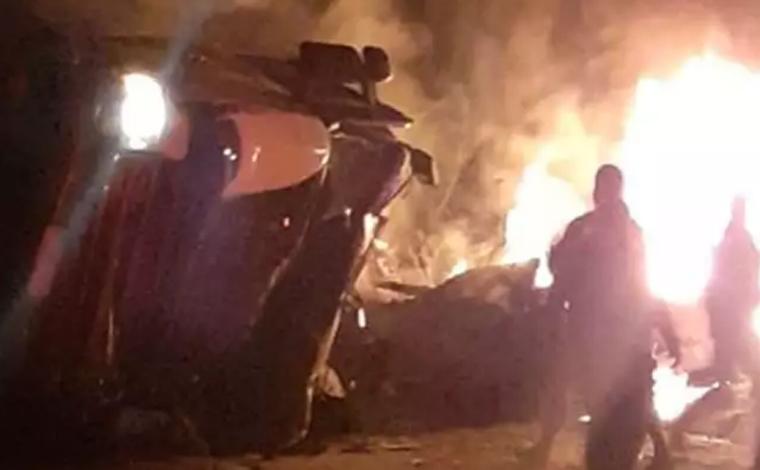 Oito pessoas morrem e uma fica gravemente ferida em acidente na BR-262