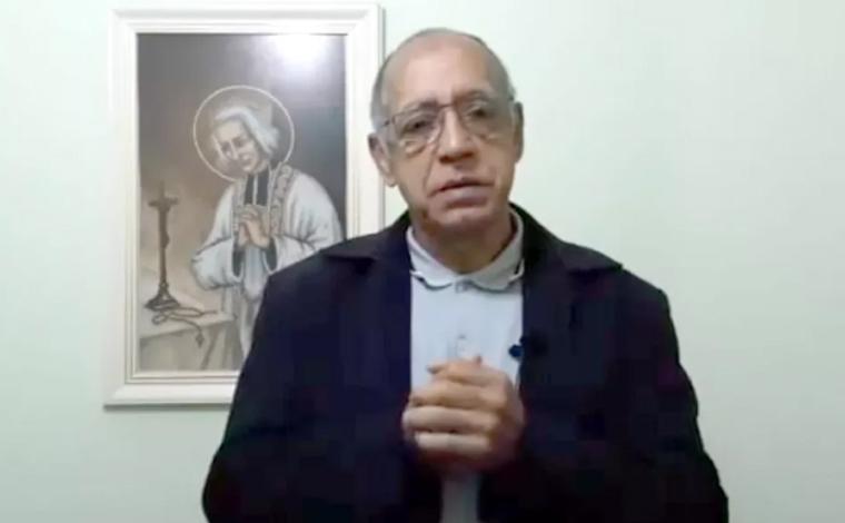 Padre faz retratação após desejar morte de fiéis que não vão às missas por medo da Covid-19