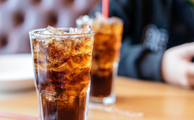 Após intoxicação por refrigerante com vestígios de soda cáustica casal será indenizado em R$ 16 mil