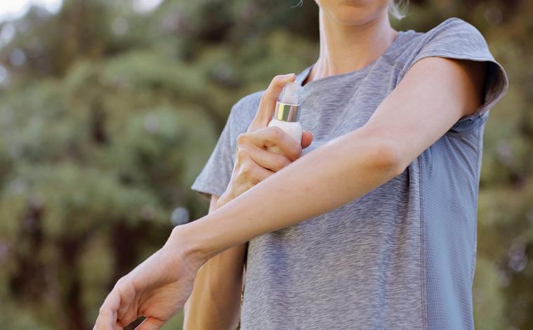 Estudo aponta que químico usado em repelente para insetos pode matar o novo coronavírus