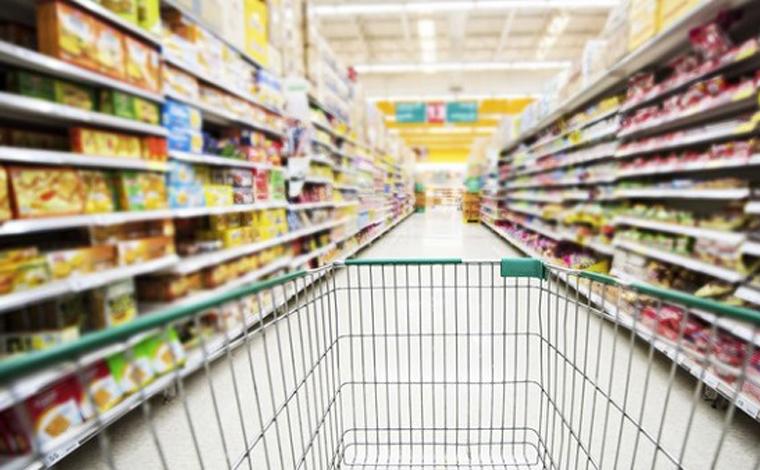 Produtos da cesta básica tem variações de preços e sobem até 60% em supermercados