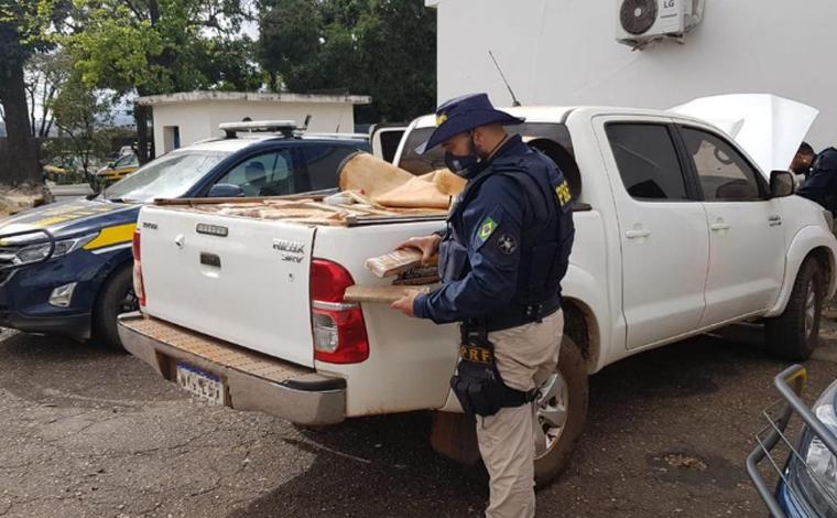 Cerca de duas toneladas de maconha são apreendidas em caminhonete na BR-040 em Sete Lagoas